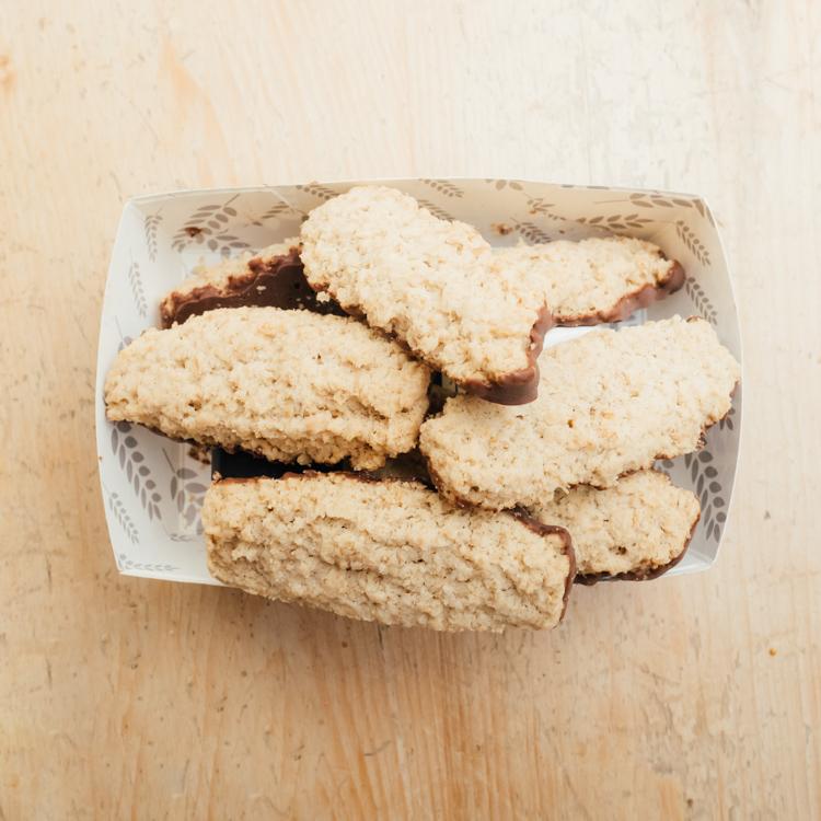Hilltop Farm shop's product: Farmhouse Biscuits Chocolate Shortbread