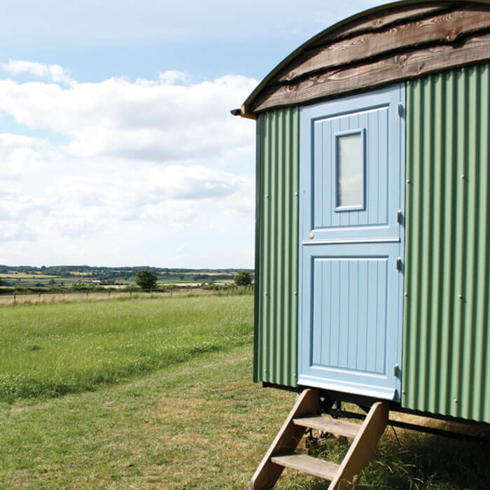 Glamping Shepherds Hut - Hilltop Farm