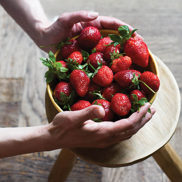 shop-fresh-strawberries-gallery
